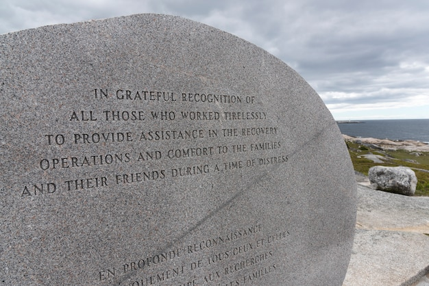 Pomnik lotnictwa swissair flight 111 w peggy's cove preservation area, peggy's cove, nowa szkocja, kanada