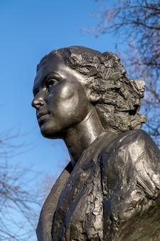 Pomnik violette szabo w londynie