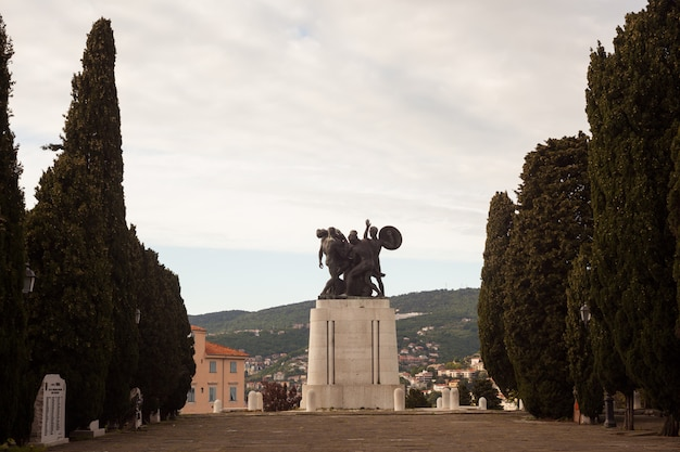 Pomnik wojenny, triest