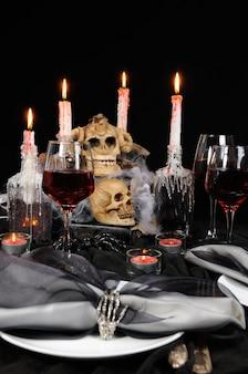 Pomysł stworzenia świty oprawy dekoracji stołu na halloween