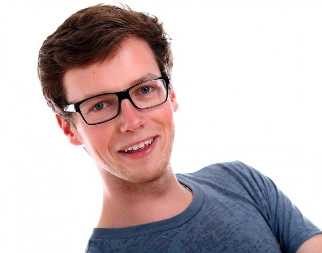 Pomyślny biznesmen w okularów ono uśmiecha się