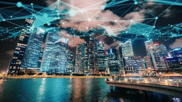Pomysłowe wizualne inteligentne cyfrowe miasto z abstrakcyjną grafiką globalizacji przedstawiającą sieć połączeń