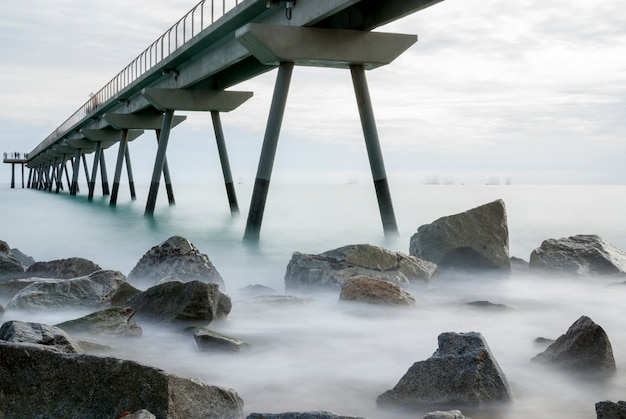 Pont del petroli, badalona, hiszpania