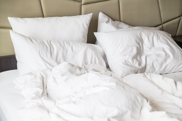 Popsute łóżko