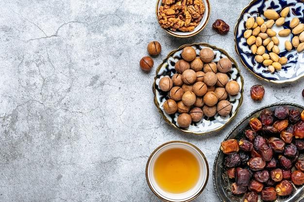 Popularne jedzenie podczas muzułmańskiego święta iftar świętego miesiąca ramadan
