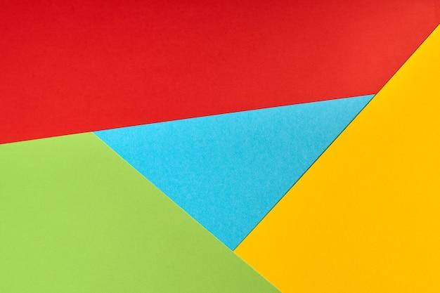 Popularne logo przeglądarki z papieru. kolory czerwony, żółty, zielony i niebieski. kolorowe i jasne logo