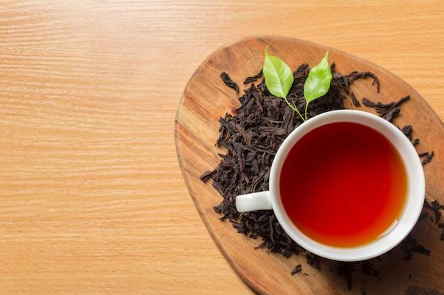 Poranna herbata na stole