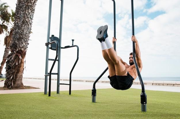 Poranny zestaw ćwiczeń nadmorskich