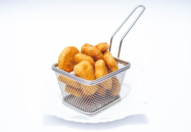 Porcja nuggetsów z kurczaka w batonie