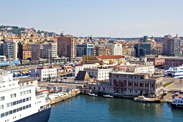 Port w neapolu, włochy, europa