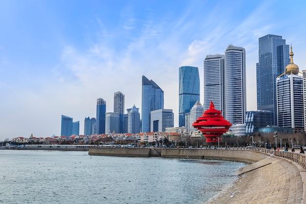 Port wysoki panoramiczny skyline nabrzeża metropolii