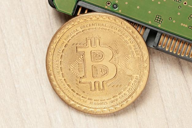 Portfel cyfrowy kryptowaluty bitcoin na dysku twardym