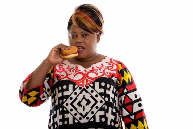 Portret afrykańskiej kobiety na białym tle