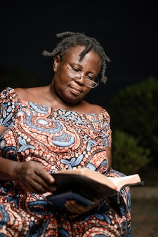 Portret afrykańskiej starszej kobiety