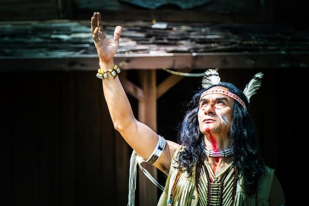 Portret amerykańsko-indiański mężczyzna.