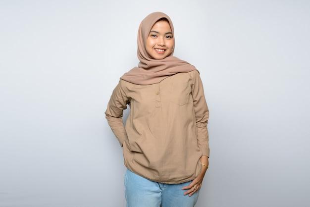 Portret asian girl noszenia hidżabu