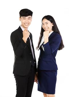 Portret azjatykcia mężczyzna i kobiety pozycja