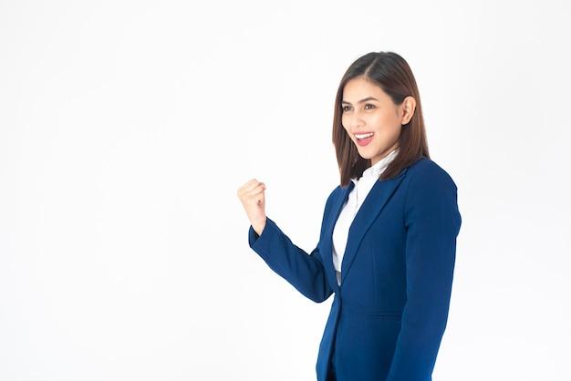 Portret biznesowa kobieta jest pomyślna