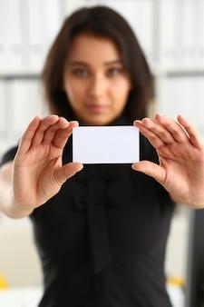Portret bizneswoman praca w biurowym przedstawieniu