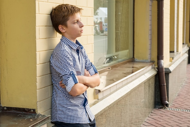 Portret chłopca nastolatka