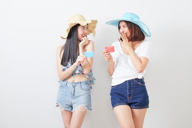 Portret dwóch hipster dziewczyn