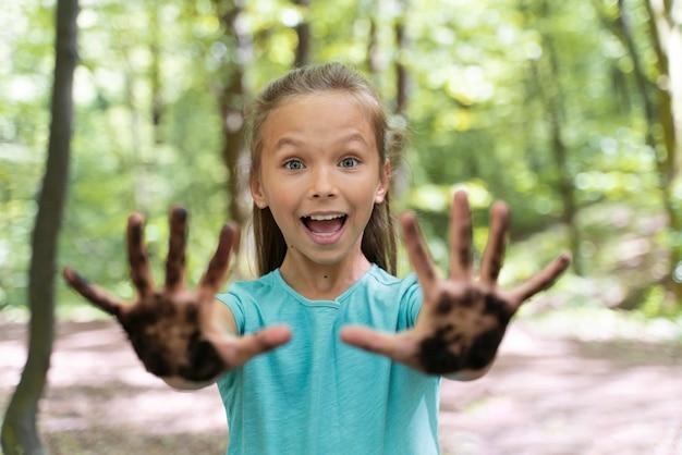 Portret dziecka w naturze