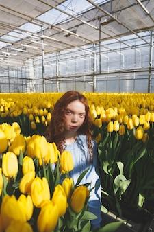 Portret dziewczynki w kwiat