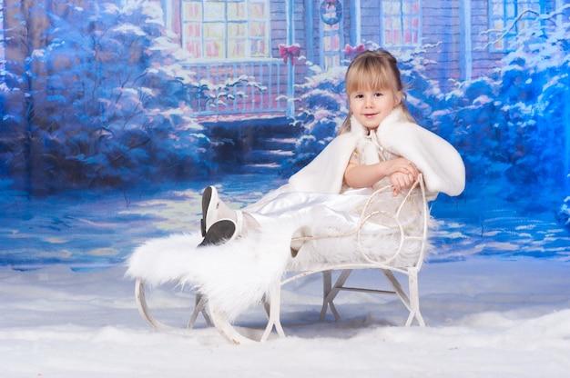 Portret dziewczynki z okazji bożego narodzenia