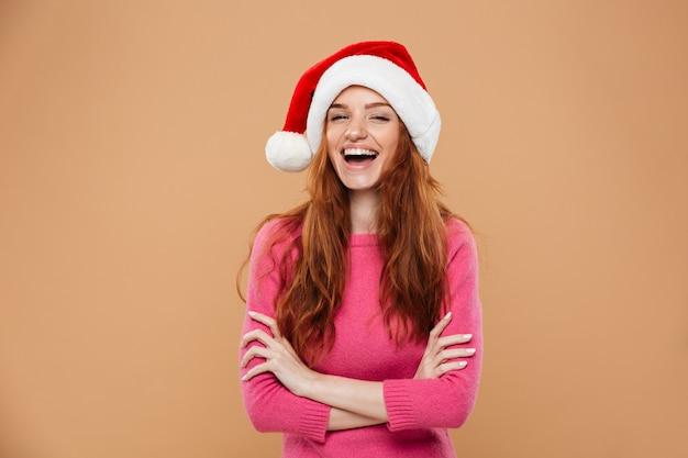 Portret dziewczyny szczęśliwy całkiem rudy