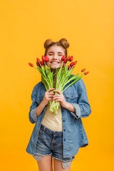 Portret dziewczyny z kwiatami