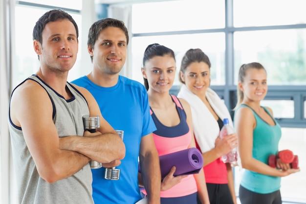 Portret grupa sprawności fizycznej klasy pozycja w rzędzie