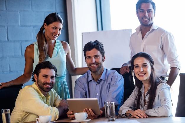 Portret grupy współpracowników