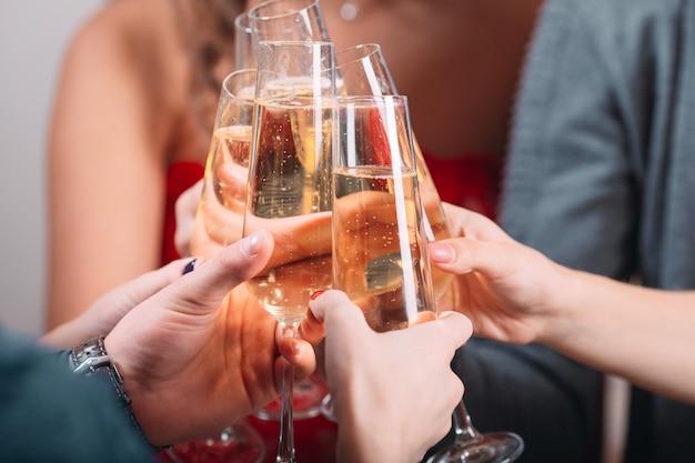 Portret kilku przyjaciół toast
