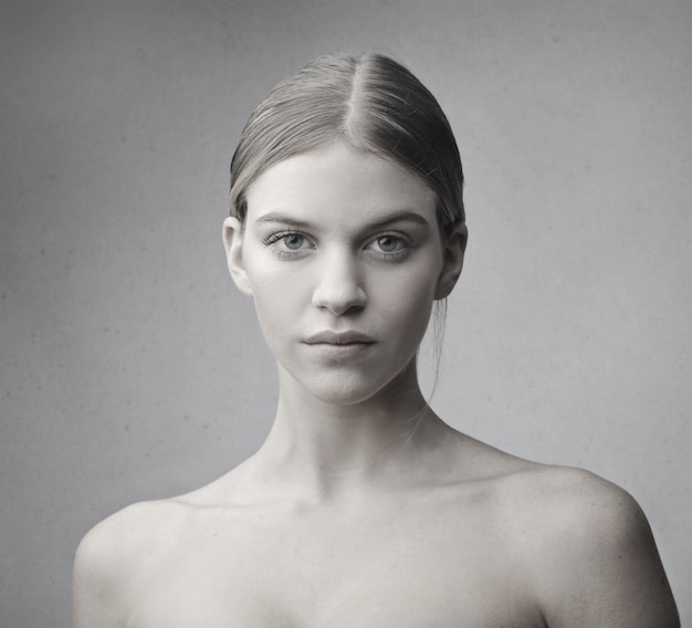 Portret kobiety blondynka