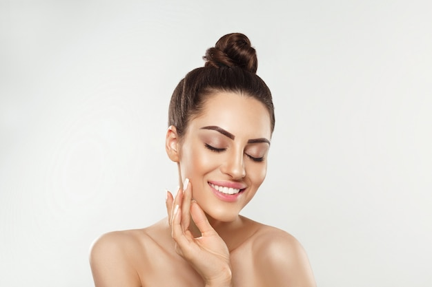 Portret kobiety idealnie czystej skóry