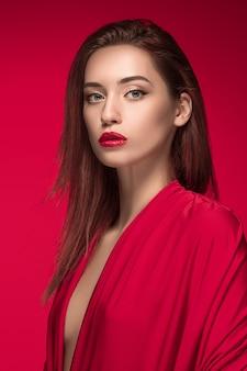 Portret kobiety moda. piękny model.