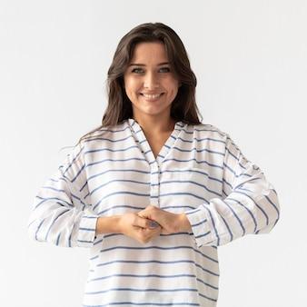 Portret kobiety nauczania języka migowego