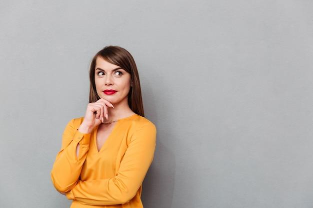 Portret kobiety przemyślane myślenia