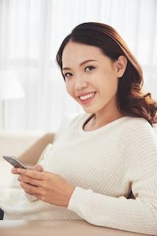 Portret kobiety sms-y