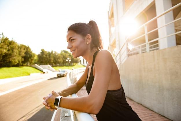 Portret kobiety szczęśliwa fitness