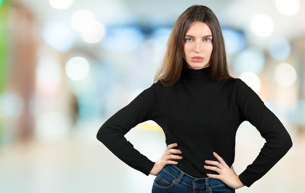 Portret kobiety z efekt bokeh