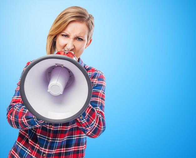 Portret krzyk ogłasza pewna kobieta