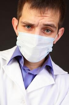 Portret lekarza w masce