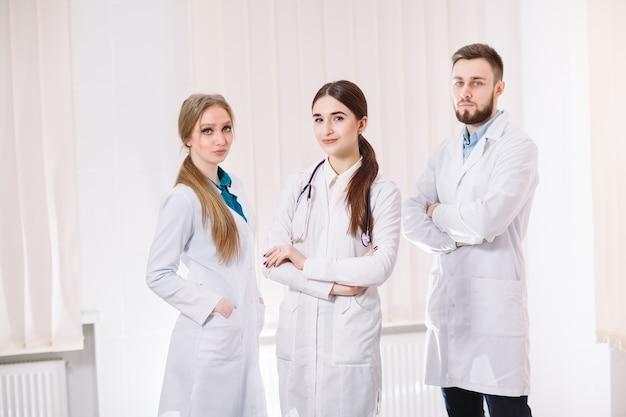 Portret lekarzy.