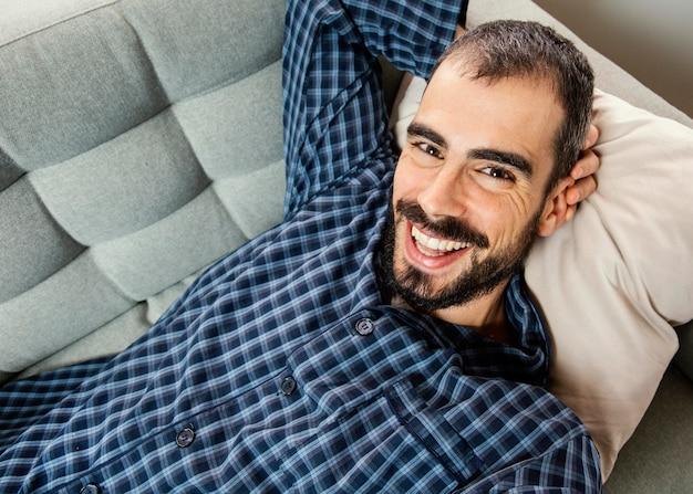 Portret mężczyzny o połączenie wideo