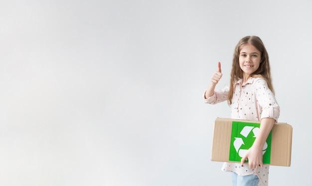 Portret młoda dziewczyna z kopii przestrzenią