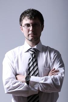 Portret młodego biznesmena przystojny