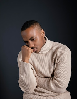 Portret młodego mężczyzny afrykańskiego