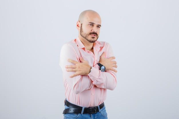 Portret młodego przystojnego mężczyzny