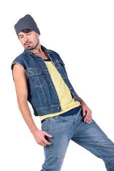 Portret młodego stylowego tancerza hip hop